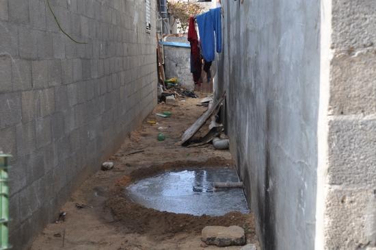 EWASH montre une maison de Beit Lahia non reliée à l'égout
