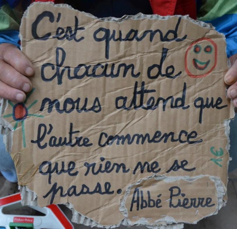 Photo sur la page Facebook Au Coeur de la Précarité. Un clic pour la source