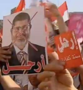 Les anti-Morsi veulent voir Morsi quitter le pouvoir