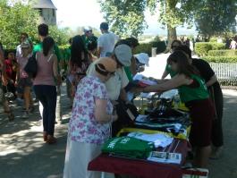 Un stand du BDS Tour à Carcassonne
