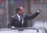 """Hollande sous la pluie... """"Même pas peur de l'eau !"""""""